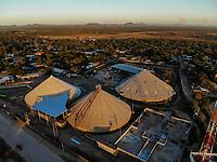 Aerial view of wineries and mills in the ejido La Victoria.<br /> &nbsp; (Photo: Luis Gutierrez / NortePhoto.com)..<br /> Vista a&eacute;rea de bodegas y molinos en el ejido la Victoria. <br />  (Foto: Luis Gutierrez / NortePhoto.com)