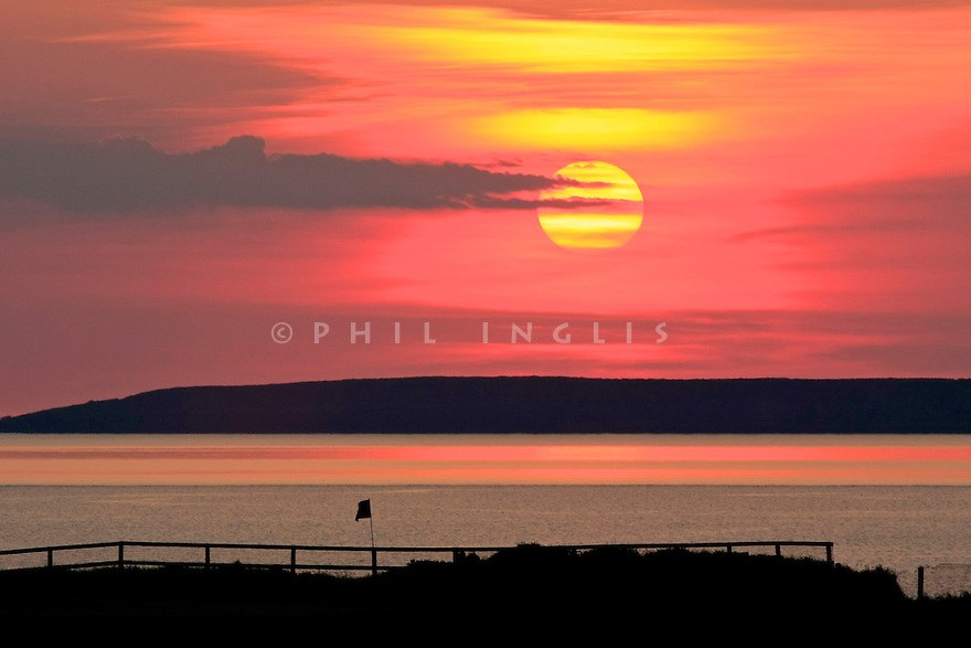 A general shot at sunset of the 6th green, Old Course, Ballybunion Golf Club, Co. Kerry, Ireland. Picture Credit / Phil Inglis