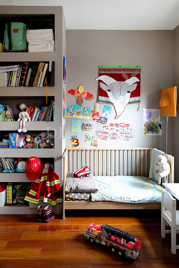contemporary children's bedroom
