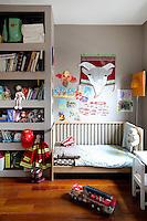 contemporary children's bedroom