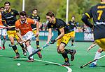 BLOEMENDAAL - Pepijn Rijenga (Den Bosch) met Arthur van Doren (Bldaal)   tijdens de hoofdklasse competitiewedstrijd hockey heren,  Bloemendaal-Den Bosch (2-1) COPYRIGHT KOEN SUYK