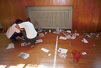 - manifestations against the international G8 summit in Genoa, July 2001, the Diaz school, center of the Social Forum, after the bloody police onslaught<br /> <br /> - manifestazioni contro il summit internazionale G8 a Genova nel luglio 2001, la scuola Diaz, sede dei Social Forum, dopo il sanguinoso assalto della polizia