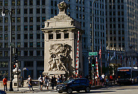 USA Chicago, downtown, memorial sculpture at E Wacker Drive-Michigan Avenue, skyscraper, Trump and Kim Jong Un double / Stadtzentrum mit Hochhaeusern