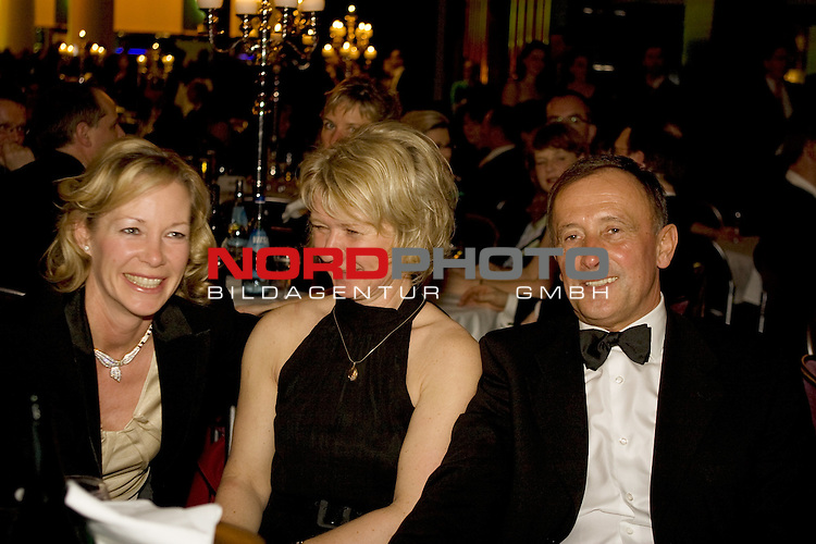 Dieter und Claudia Burdenski<br /> <br /> Foto: &copy; nph ( nordphoto )