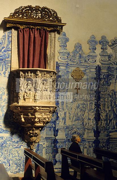 Europe/Portugal/Coimbra : Eglise Sainte-Croix - La chaire et azuleros