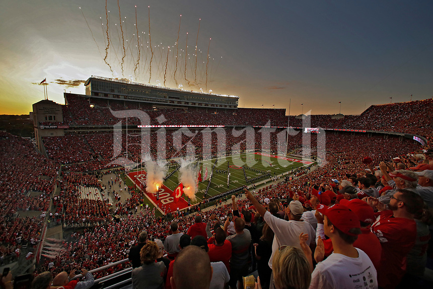Ohio State Buckeyes takes on Oklahoma Sooners in Ohio Stadium in Columbus, Ohio on September 9, 2017.  [Kyle Robertson/Dispatch]