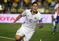 PASADENA - UNITED STATES, 07-06-2016: James Rodriguez (#10) jugador de Colombia (COL) celebra después de anotar un gol a Paraguay (PAR) durante partido del grupo A fecha 2 por la Copa América Centenario USA 2016 jugado en el estadio Rose Bowl en Pasadena, California, USA. /  James Rodriguez (#10) player of Colombia (COL) celebrates after scoring a goal to Paraguay (PAR) during match of the group A date 2 for the Copa América Centenario USA 2016 played at Rose Bowl stadium in Pasadena, California, USA. Photo: VizzorImage/ Luis Alvarez /Str