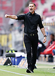 Trainer Achim Beierlorzer (Mainz)<br /><br />Sport: Fussball: 1. Bundesliga:: nphgm001:  Saison 19/20: 33. Spieltag: 1. FSV Mainz 05 vs SV Werder Bremen 20.06.2020<br />Foto: Wagner/Witters/Pool//via gumzmedia/nordphoto<br /><br /><br /> DFL REGULATIONS PROHIBIT ANY USE OF PHOTOGRAPHS AS IMAGE SEQUENCES AND OR QUASI VIDEO<br />EDITORIAL USE ONLY<br />NATIONAL AND INTERNATIONAL NEWS AGENCIES OUT