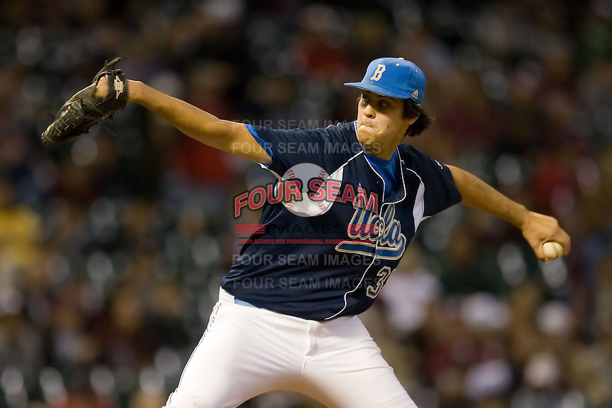 Relief pitcher Mitchell Beacom #35 of the UCLA Bruins in action versus the Baylor Bears in the 2009 Houston College Classic at Minute Maid Park February 28, 2009 in Houston, TX.  The Bears defeated the Bruins 5-1. (Photo by Brian Westerholt / Four Seam Images)