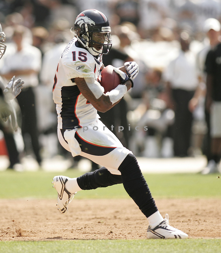 BRANDON MARSHALL, of the  Denver Broncos in action during the Broncos game against the Oakland Raiders in Oakland, CA, on September 27, 2009.  The Broncos win 23-3.