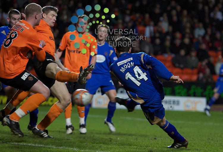 Scottish Clydesdale Bank Premier League, Championship Season 2009/10.Dundee United Football Club  V St Johnstone Football Club...Kevin Moon of St Johnstonescores the equaliser, in Tonight's thrilling Premier League encounter between Dundee United and St Johnstone at Tannadice Stadium, Dundee...Picture, Mark Davison/Universal News and Sport.