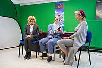 """Brigitte Macron et la reine Mathilde de Belgique visitent """" La Maisonnée """", un centre pour personnes souffrant de handicap mental, lors d'une visite d'état en Belgique.<br /> La reine Mathilde de Belgique ont participées à un atelier de peinture ainsi qu'à un atelier """" médias """" où elles se sont fait interviewées.<br /> Belgique, Haut- Ittre, 20 novembre 2018. Brigitte Macron and Queen Mathilde of Belgium visit a mental disability center ' La Maisonnée ',  during a State Visit to Belgium.<br /> Belgium, Haut-Ittre, 20 November 2018."""