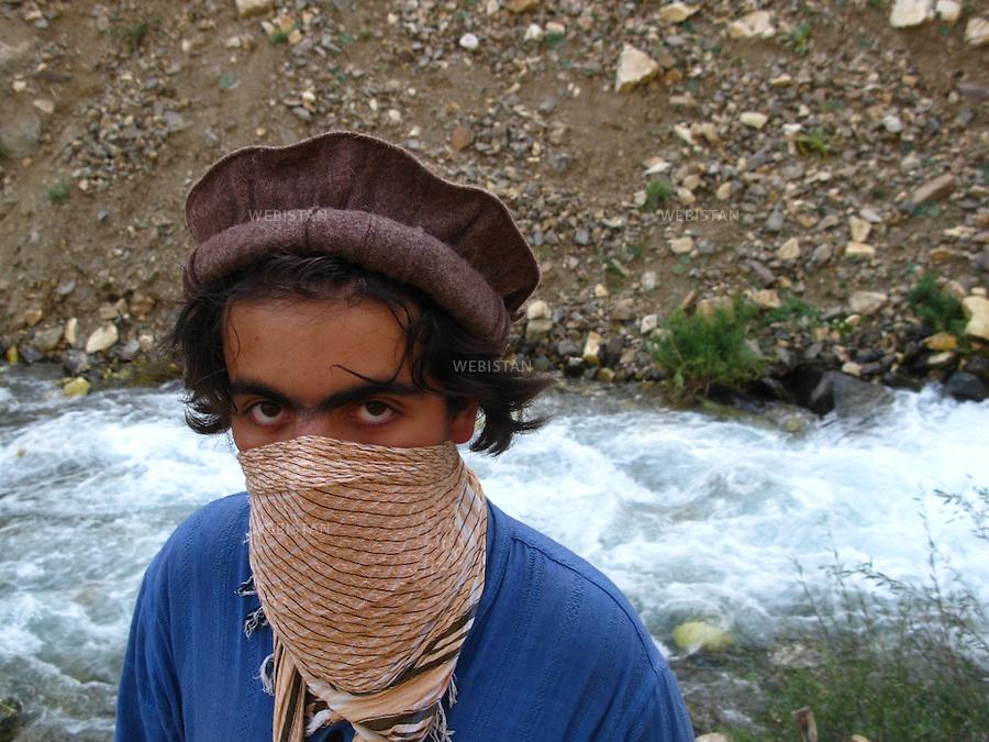 AFGHANISTAN - VALLEE DU PANJSHIR - REGION DE ASTANEH - 15 aout 2009 : Delazad Deghati. ..AFGHANISTAN - PANJSHIR VALLEY - ASTANEH REGION - August 15th, 2009 : Delazad Deghati.