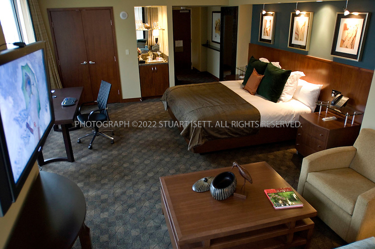 9/21/2006--Seattle, WA, USA..A Grand Luxe room in the Hotel 1000, a new futuristic hotel that opened in downtown Seattle in July, 2006. The hotel was developed to be Seattle's finest luxury boutique hotel....Photograph By Stuart Isett.All photographs ©2006 Stuart Isett.All rights reserved.