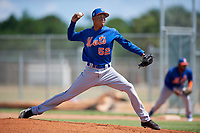 GCL Mets relief pitcher Yadiel Flores (52) delivers a pitch during a game against the GCL Cardinals on August 6, 2018 at Roger Dean Chevrolet Stadium in Jupiter, Florida.  GCL Cardinals defeated GCL Mets 6-3.  (Mike Janes/Four Seam Images)