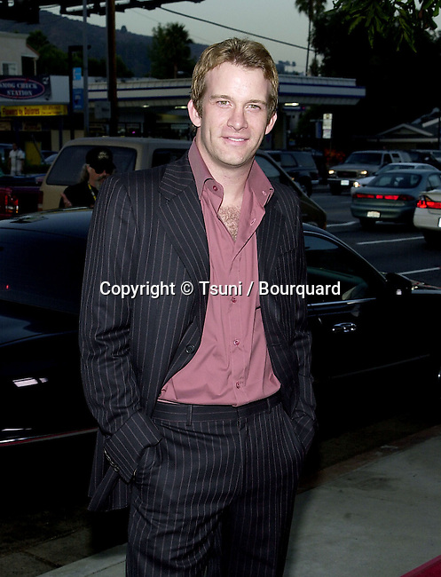 Thomas Jane arriving at The World Premiere of Original Sin at the Director Guild Theatre in Los Angeles July 31, 2001   © Tsuni          -            JaneThomas01.jpg