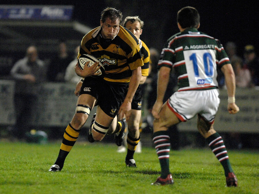 Photo: Richard Lane..London Wasps A v Leicester Tigers A. Guinness A League Final 1st leg. 16/04/2007. .Wasps' John Hart attacks.