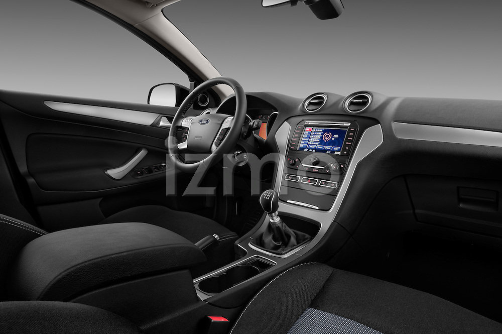 Passenger side dashboard view of a 2011 Ford Mondeo Trend Wagon Stock Photo