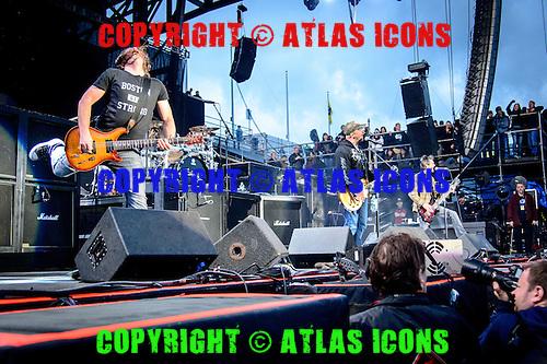 STAIND, LIVE, 2014, <br /> PHOTOCREDIT:  IGOR VIDYASHEV/ATLASICONS