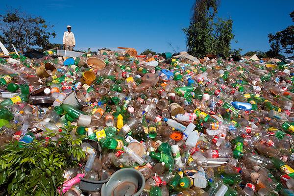 Sao Francisco de Sales_MG, Brasil...Lixao em Sao Francisco de Sales, Minas Gerais...The waste disposal in Sao Francisco de Sales, Minas Gerais...Foto: LEO DRUMOND / NITRO