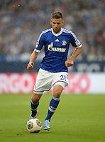 FUSSBALL   1. BUNDESLIGA   SAISON 2013/2014   1. SPIELTAG FC Schalke 04 - Hamburger SV          11.08.2013 Adam Szalai (FC Schalke 04) am Ball