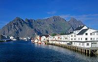 Norwegen, Nordland, Lofoten, Henningsvaer: Fischerdorf | Norway, Nordland, Lofoten Islands, Henningsvaer: fishing village