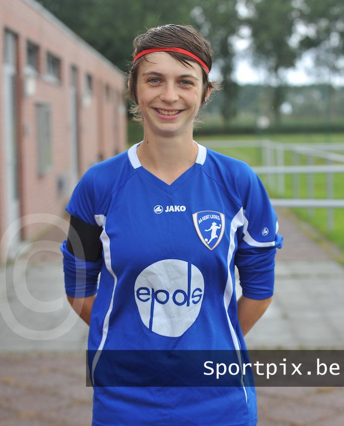 AA Gent Ladies : Evelien Van Sinay .foto DAVID CATRY / Vrouwenteam.be