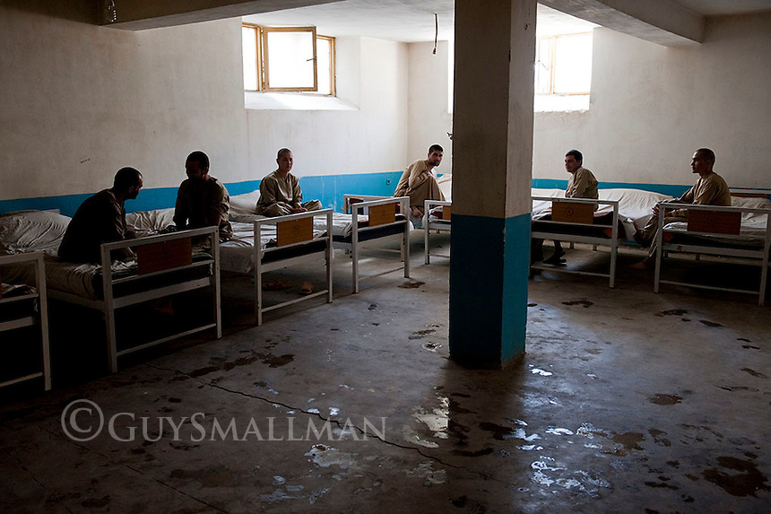Afghan heroin addicts are treated at the WADAN drug rehabilitation centre. Kabul. 20-9-10