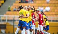 ATENCAO EDITOR IMAGEM EMBARGADA PARA VEICULOS INTERNACIONAIS - SAO PAULO, SP 16 DEZEMBRO 2012 - TORNEIO CIDADE DE SAO PAULO - BRASIL X DINAMARCA - Erika jogadora do Brasil comemora seu gol durante partida contra a Dinamarca valida pelo torneio Cidade de Sao Paulo no Estadio Paulo Machado de Carvalho, Pacaembu na regiao oeste da capital paulista, neste domingo, 16. (FOTO: WILLIAM VOLCOV / BRAZIL PHOTO PRESS).