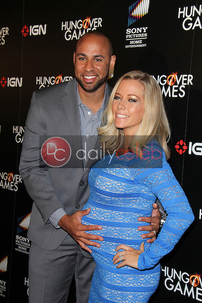 Hank Baskett, Kendra Wilkinson<br /> at &quot;The Hungover Games&quot; Premiere, TCL Chinese 6, Hollywood, CA 02-11-14<br /> David Edwards/Dailyceleb.com 818-249-4998