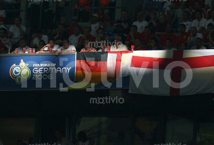 Fussball WM 2006  Viertelfinale  England - Portugal Fifa-Emblem