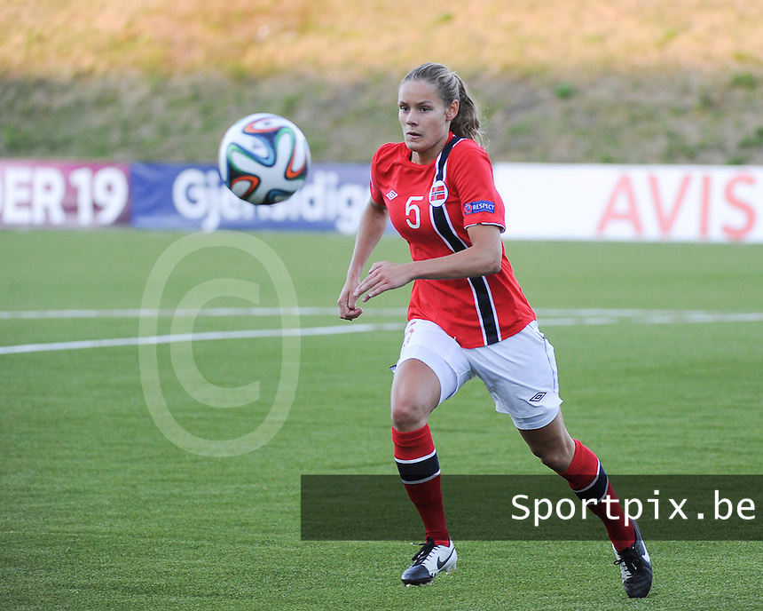 20140718 - Tonsberg , NORWAY : Norwegian Andrine Tomter pictured during the female soccer match between Women under 19 teams of Norway and Belgium , on the second matchday in group A of the UEFA Women Under19 European Championship at Tonsberg Stadion , Norway . Friday 18th July 2014 . PHOTO DAVID CATRY