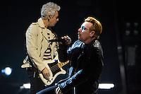 U2 a Paris Bercy - Bono  <br /> Parigi 07-12-2015 U2 in concerto <br /> Foto Lionel Urman / Panoramic / Insidefoto