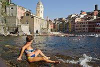 il paese Vernazza (La Spezia) --- the village Vernazza (La Spezia)