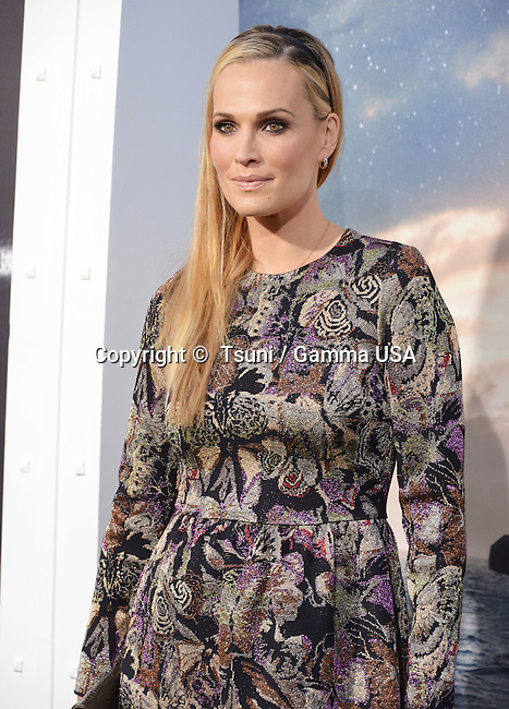 Molly Sims 104 at the Interstellar Premiere at the Chinese Theatre in Los Angeles.