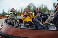 ZZEILEN: SNEEK: FRISOBOKAAL, 30-05- 2015, SKS Skûtsjesilen, Organisatie Provincie Fryslân in samenwerking met Sintrale Kommisje Skûtsjesilen en hun 14 Skûtsjes, winnaars Skûtsje Súdwesthoek (Stavoren) met Team TomTom, Harold Goddijn (CEO TomTom) aan het helmhout, ©foto Martin de Jong