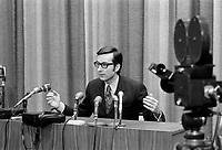 Conference de Presse du Premier Ministre Robert Bourassa, <br /> le  29 octobre 1970<br /> <br /> Photographe : Jacques Thibault<br /> - agence Quebec Presse