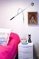 fuchsia bedspread