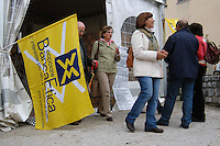 Stand informativo della Banca etica. Information stand of the Bank Ethics.