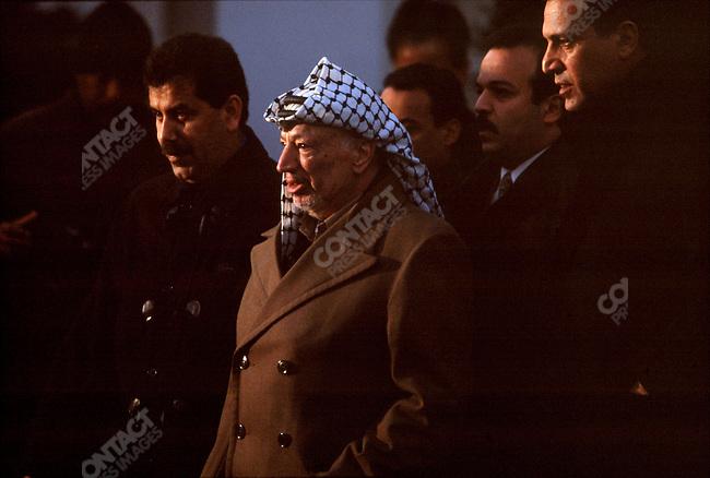 Yasir Arafat, PLO Chairman, meets with Bill Clinton. Mid-East peace talks, White House, Washington D.C., January 2001