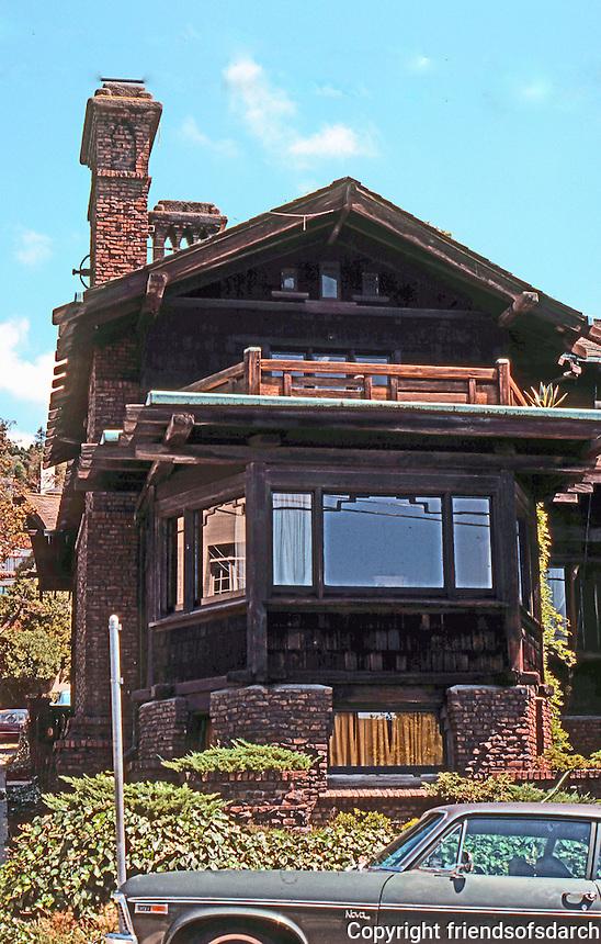 Greene & Greene: Thorsen House 1908. Piedmont, corner.  Photo '78.