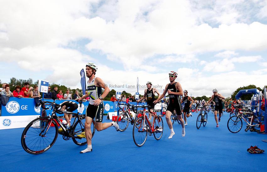 Photo: Richard Lane/Richard Lane Photography. GE Strathclyde Park Triathlon. 02/09/2012. Start men's elite triathlon transition.
