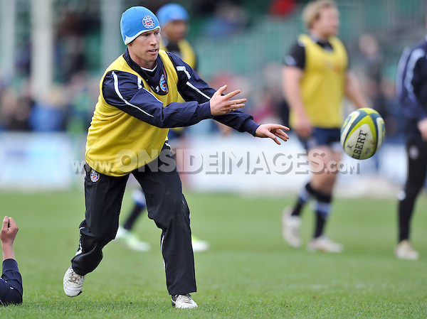 Peter Stringer passes the ball during the pre-match warm-up. LV= Cup match, between Bath Rugby and Exeter Chiefs on January 26, 2013 at the Recreation Ground in Bath, England. Photo by: Patrick Khachfe / Onside Images