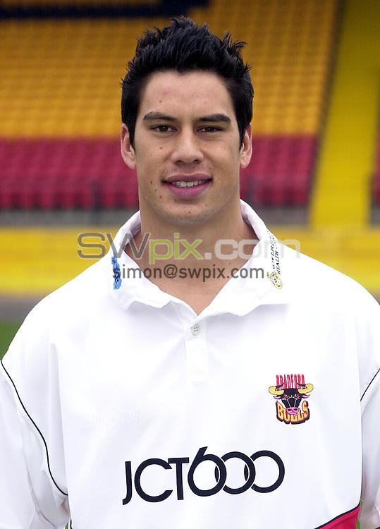 Pix: Matthew Lewis/SWpix.com. Rugby League. Bradford Bulls Pre-Season Photocall 2003/04. 06/02/2003...COPYRIGHT PICTURE>>SIMON WILKINSON>>01943 436649>>..Bradford's Shontayne Hape.