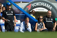 Everton manager Ronald Koeman reacts with his head in his hands          <br /> <br /> <br /> Photographer Craig Mercer/CameraSport<br /> <br /> The Premier League - Chelsea v Everton - Sunday 27th August 2017 - Stamford Bridge - London<br /> <br /> World Copyright &copy; 2017 CameraSport. All rights reserved. 43 Linden Ave. Countesthorpe. Leicester. England. LE8 5PG - Tel: +44 (0) 116 277 4147 - admin@camerasport.com - www.camerasport.com