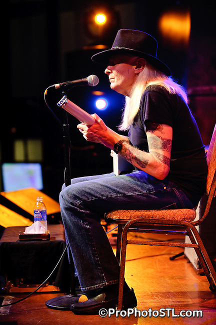 Johnny Winter in concert at VooDoo Lounge of Harrah's Casino in Maryland Heights, MO on Apr 2, 2009.