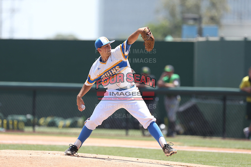 Cody Poteet #34 of the UCLA Bruins pitches against the Oregon Ducks at Jackie Robinson Stadium on May 18, 2014 in Los Angeles, California. Oregon defeated UCLA, 5-4. (Larry Goren/Four Seam Images)