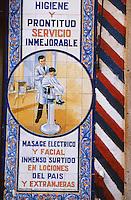 Europe/Espagne/Castille/Madrid : Azuleros d'un coiffeur-barbier