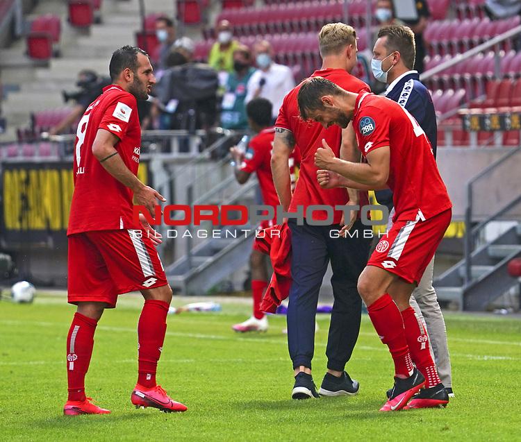 Sport: Fussball: 1. Bundesliga:: nphgm001:  Saison 19/20: 33. Spieltag: 1. FSV Mainz 05 vs SV Werder Bremen 20.06.2020<br />Schlussjubel bei Levin Oeztunali Öztunali und Alexander Hack (M05),<br /> Foto: Bratic/rscp-photovia/via gumzmedia/nordphoto<br /><br />DFL regulations prohibit any use of photographs as image sequences and/or quasi-video.<br />EDITORIAL USE ONLY.<br />National and international News-Agencies OUT.<br /><br />  DFL REGULATIONS PROHIBIT ANY USE OF PHOTOGRAPHS AS IMAGE SEQUENCES AND OR QUASI VIDEO<br /> EDITORIAL USE ONLY<br /> NATIONAL AND INTERNATIONAL NEWS AGENCIES OUT