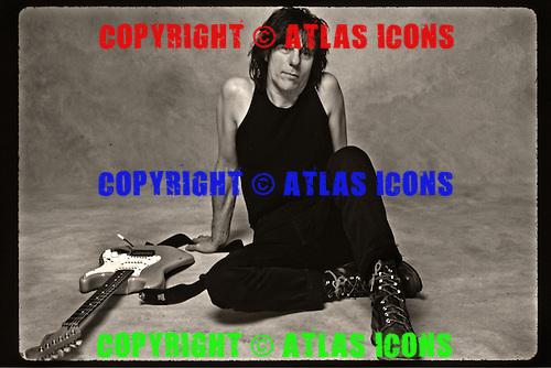 Jeff Beck, Studio Portrait Session , In New York City 1999.Photo Cerdit: Eddie Malluk/AtlasIcons.com